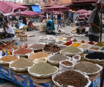 buying spices in Fez for your cooking class